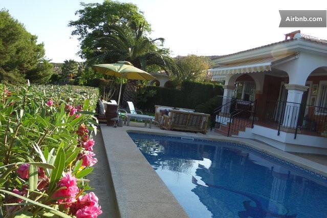 bonalba golf airbnb villa