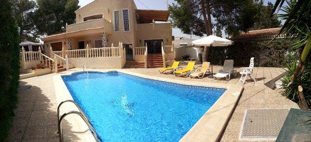 6 bed golf villa Torrevieja